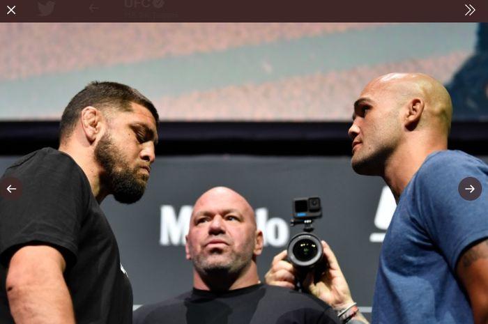 Sesi staredown jelang UFC 266, Jumat (24/9/2021) antara Nick Diaz (kiri) dan Robbie Lawler (kanan)