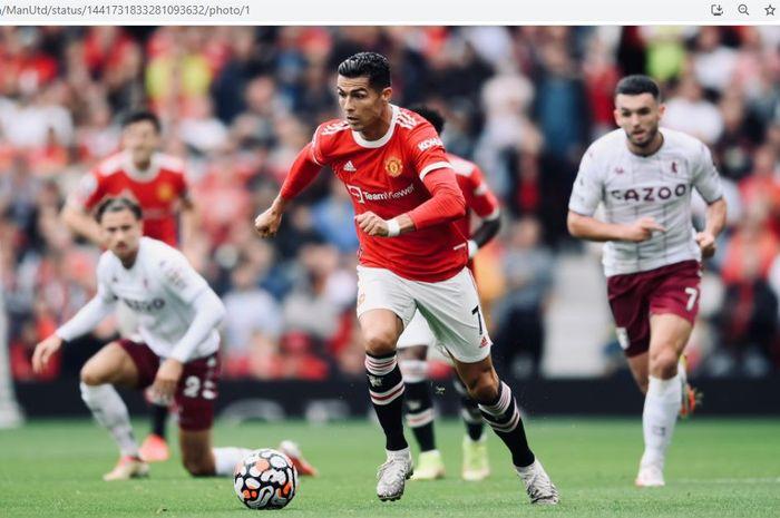 Megabintang Manchester United, Cristiano Ronaldo, beraksi dalam laga pekan keenam Liga Inggris 2021-2022 melawan Aston Villa, Sabtu (25/9/2021).
