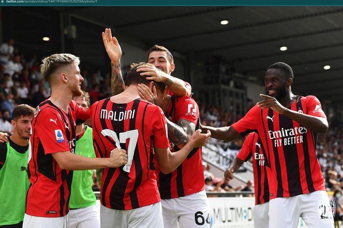 Anak Paolo Maldini, Daniele Maldini sukses mencetak gol pertamanya bagi AC Milan dalam kemenangan 2-1 atas Spezia.