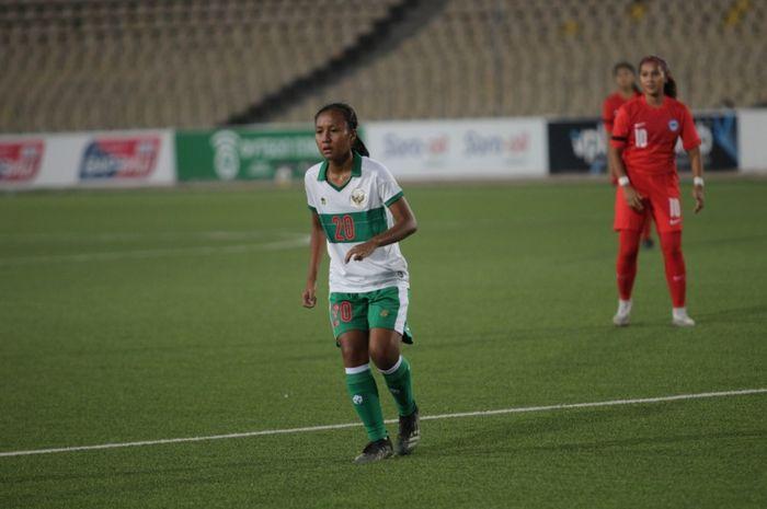 Pemain timnas wanita Indonesia, Viny Silfianus Sunaryo.