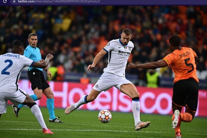 Inter Milan gagal mencipyakan tembakan tepat sasaran dalam babak pertama duel kontra Shakhtar Donetsk yang berakhir hampa gol.