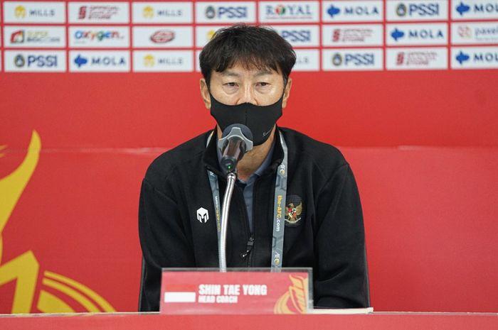 Pelatih timnas Indonesia, Shin Tae-yong, dalam konferensi pers jelang lawan Taiwan, Rabu (6/10/2021).