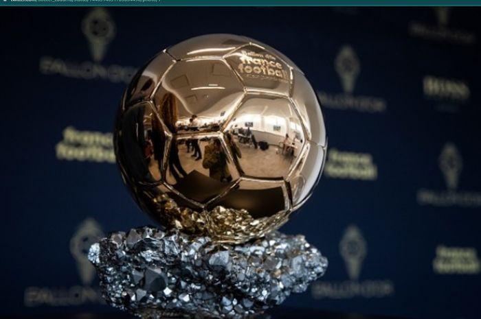Trofi penghargaan Pemain Terbaik versi France Football alias Ballon d'Or untuk edisi 2021 bakal diperebutkan 30 pemain.