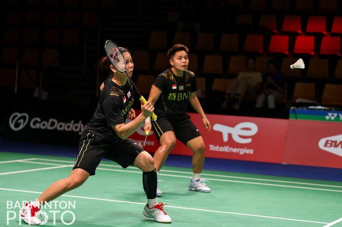 Pasangan ganda putri Indonesia, Greysia Polii/Apriyani Rahayu, pada perempat final Uber Cup 2020 melawan Thailand di Ceres Arena, Aarhus, Denmark, Kamis (14/10/2021).