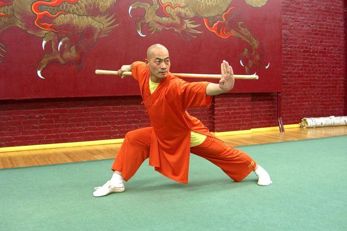 Wushu bisa menguatkan otot dan melatih keseimbangan.