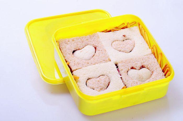 Roti Dua Rasa Untuk Bekal Sekolah