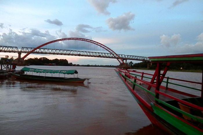 Jembatan Kahayan di Palangkaraya