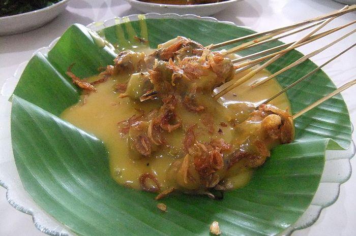 Sate Padang sudah terkenal di seluruh Indonesia bahkan sampai ke luar negeri.