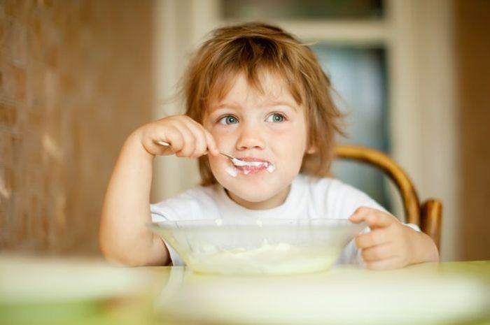 Hindari mengonsumsi makanan yang sangat panas