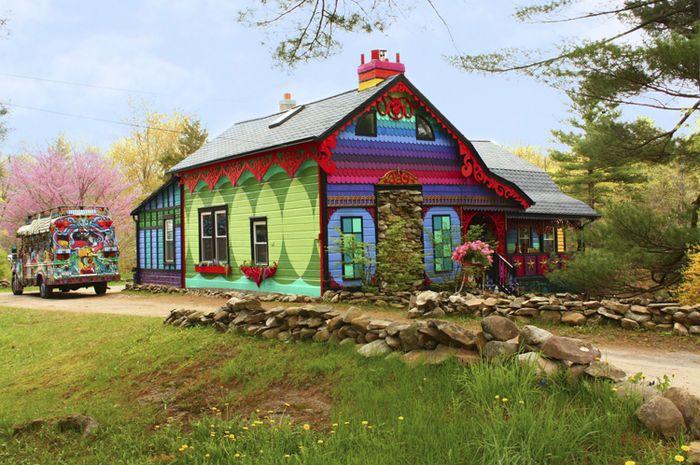 Calico, rumah warna-warni