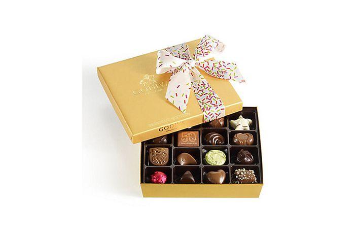 Cokelat yang dibuat oleh perusahaan Godiva.
