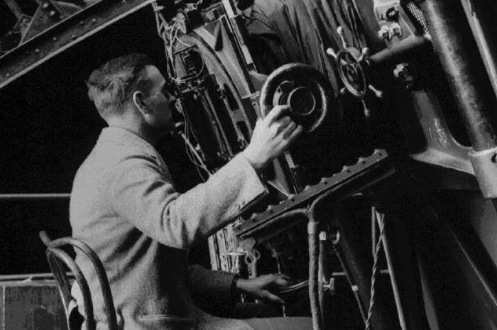Edwin Hubble, sarjana hukum yang menjadi astronom