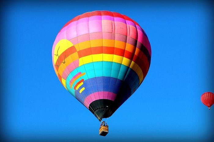 Kenapa Balon Udara Bisa Terbang?