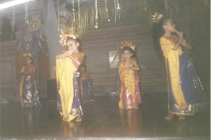 Anak Bali suka menari. Foto: Putri Puspita   Bobo.ID