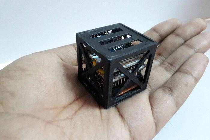 KalamSat, satelit terkecil di dunia. Foto: 3DRuck.com