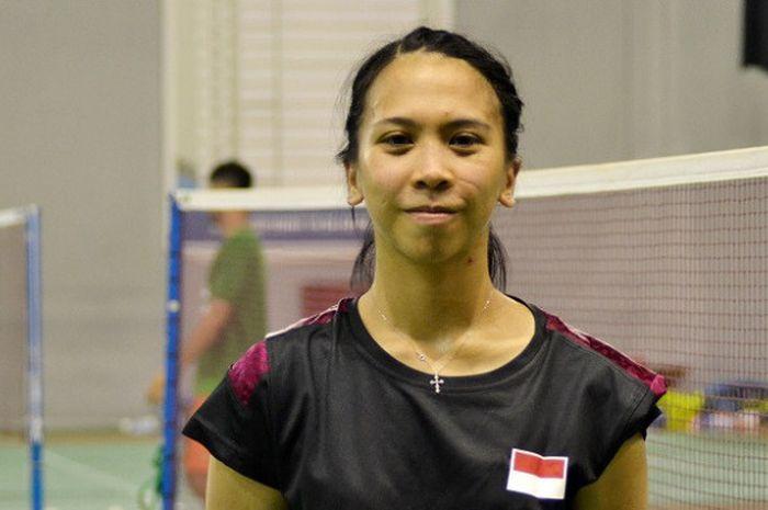 Pebulu tangkis tunggal putri nasional, Lyanny Alessandra Mainaky, berpose seusai berlatih persiapan kejuaraan dunia di hall pelatnas, Cipayung, Jakarta, Senin (14/8/2017).