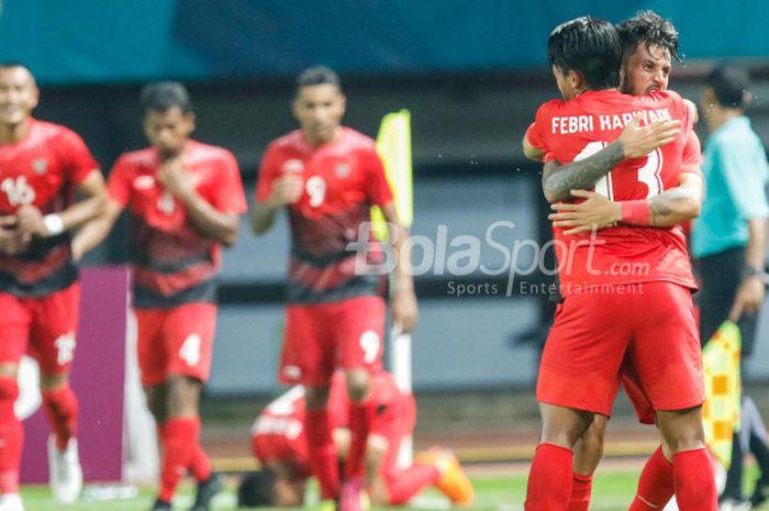 Ekspresi gelandang tim nasional U-23 Indonesia, Stefano Lilipaly, saat merayakan gol dalam pertandingan Grup A cabang sepak bola Asian Games 2018 melawan Taiwan di Stadion Patriot, Minggu (12/8/2018).