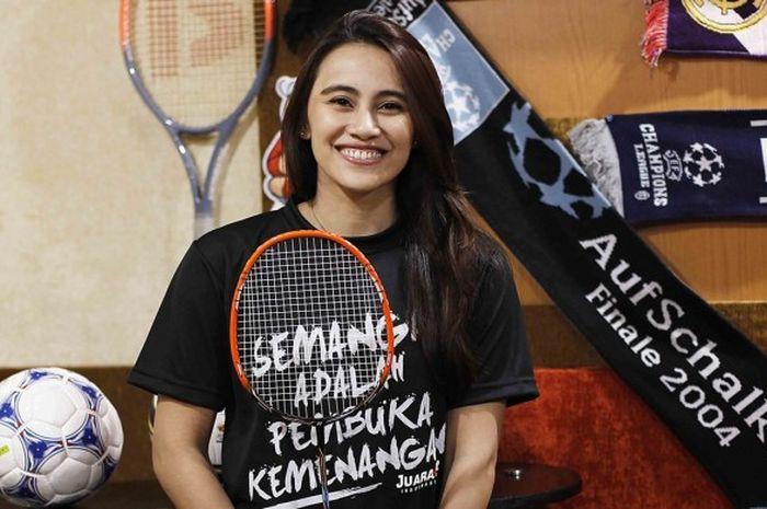 Bellaetrix Manuputty, pebulu tangkis tunggal putri Indonesia saat berkunjung ke Redaksi Tabloid BOLA