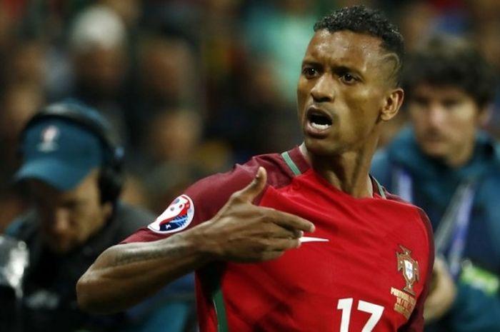 Luis Nani merayakan gol Portugal ke gawang Islandia pada fase grup Piala Eropa di Stade Geoffroy-Gui