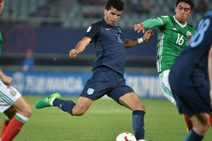 Striker timnas Inggris, Dominci Solanke, dalam laga kontra Italia pada semifinal Piala Dunia U-20 di Jeonju World Cup Stadium, Kamis (8/6/2017)