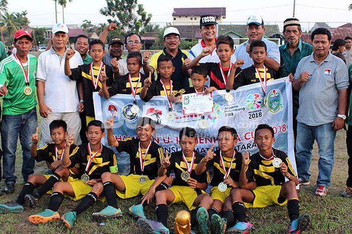 SSB Mayang Putra juara Piala Menpora U-12 gelaran FOSSBI Sumatera Utara.