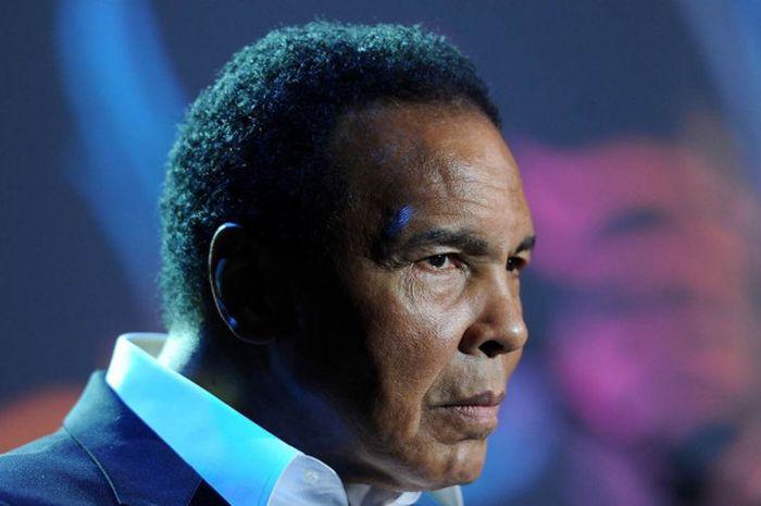 Muhammad Ali Pernah Kalah Dari Remaja 17 Tahun Dan Dihukum Duduk Di Tempat Sampah Bolasport Com