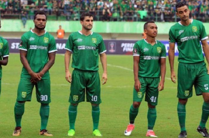 Pemain Persebaya Surabaya jelang laga kontra PSMS Medan pada babak 8 besar Piala Presiden 2018 di Stadion Manahan, Sabtu (3/2/2018)