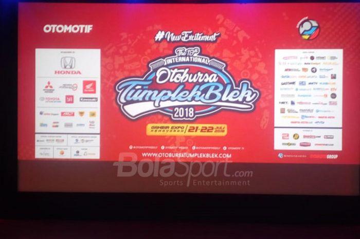 Kompas Gramedia dan Tabloid Otomotif menggelar konferensi pers event Otobursa Tumplek Blek 2018 di XXI Club Djakarta Theater, Jakarta, pada Rabu (11/07/2018). Event otomotif terbesar se-Asia Tenggara itu akan berlangsung dua hari pada 21-22 Juli 2018 di Gambir Expo Kemayoran, Jakarta Pusat.