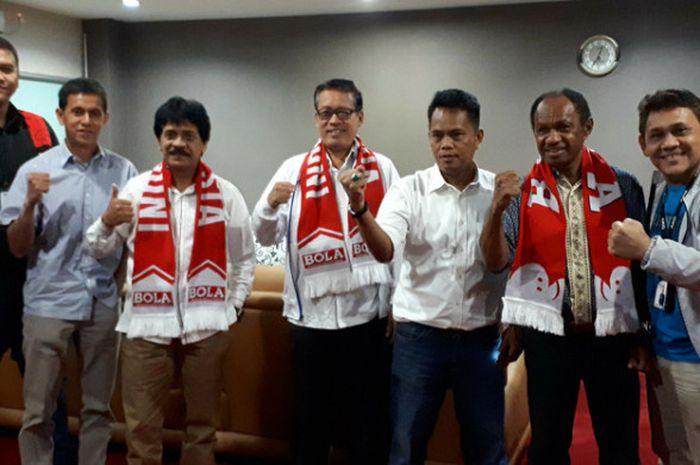 Perwakilan Kemenpora bersama Tabloid BOLA dan BolaSport.com usai membahas Liga BOLA-BLisPI.