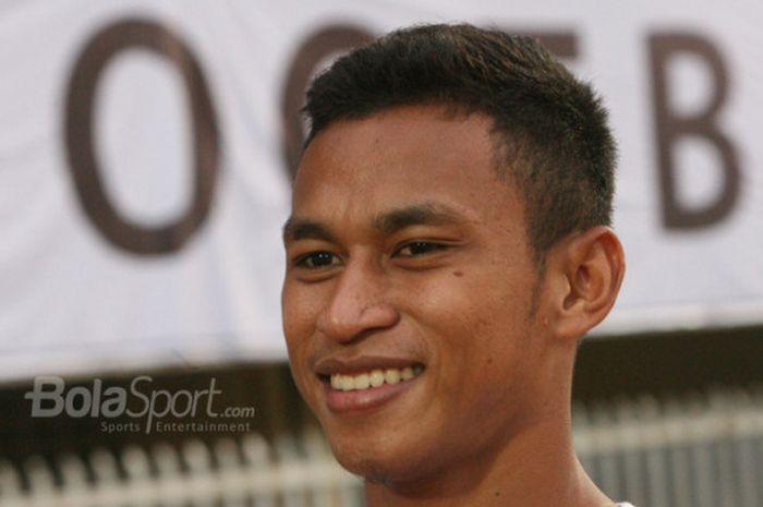 Osvaldo Haay saat ditemui BolaSport.com di Stadion Mandala Jayapura pada Kamis (14/12/2017).