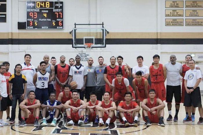 Timnas basket putra Indonesia usai training camp dengan Impact ball di Amerika Serikat