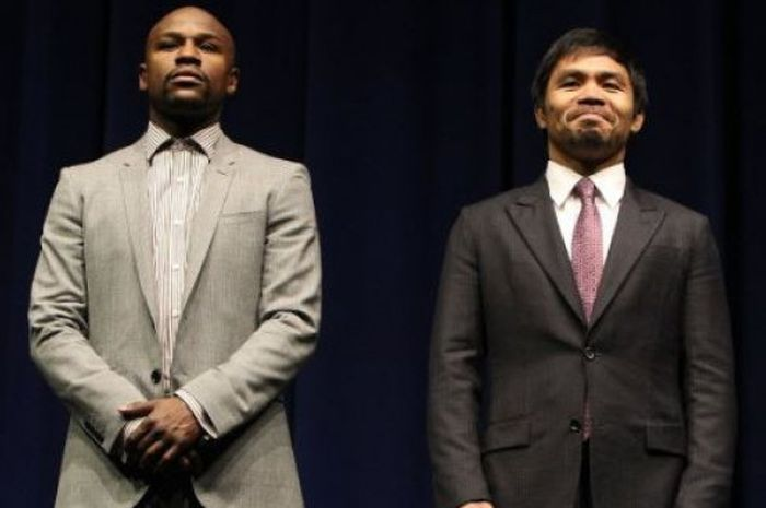 Floyd Mayweather Jr (kiri) dan Manny Pacquiao (kanan).