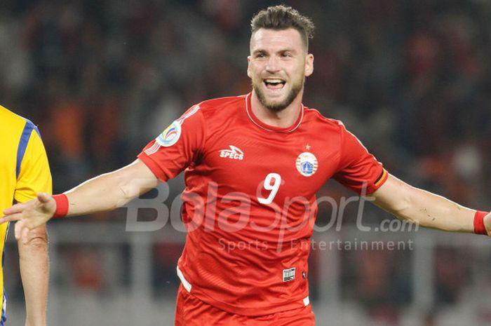 Selebrasi penyerang Persija Jakarta, Marko Simic, seusai mencetak gol ke gawang Tampines Rovers, Rab