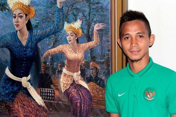 Bek tim nasional Indonesia dan Persiba Balikpapan, Abdul Rachman, di sela-sela persiapan menghadapi