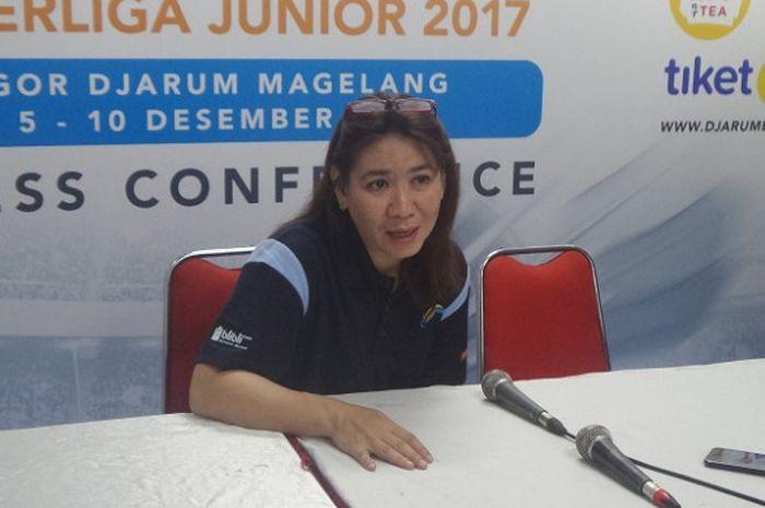 Kepala Bidang Pembinaan dan Prestasi PP PBSI Susy Susanti berbicara pada sesi konferensi pers Superliga Junior 2017, di GOR Djarum Magelang, Jawa Tengah, Minggu (12/10/2017).