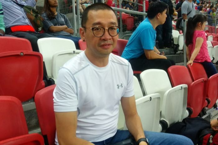 BolaSport.com saat bertemu dengan Justinus Lhaksana di National Stadium, Singapura, Sabtu (28/9/2018