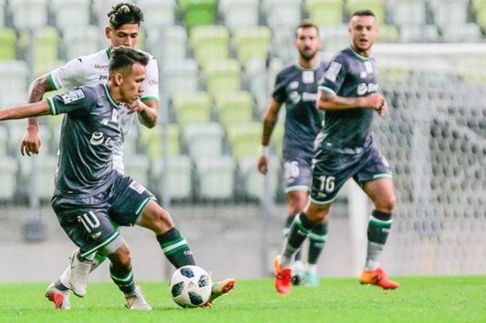 Egy Maulana Vikri akhirnya menjalani pertandingan pertama bersama tim utama Lechia Gdansk saat melawan Karpaty Lviv dalam partai persahabatan di Stadion Energa Gdansk, Minggu (9/9/2018).