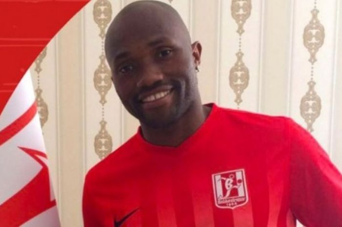 Striker asal Kamerun, Christian Bekamenga ketika diperkenalkan sebagai bagian dari klub 1.Lig, Balık