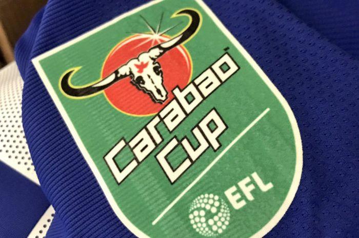 Logo Piala Liga Inggris  (Carabao Cup) di jersey Chelsea.