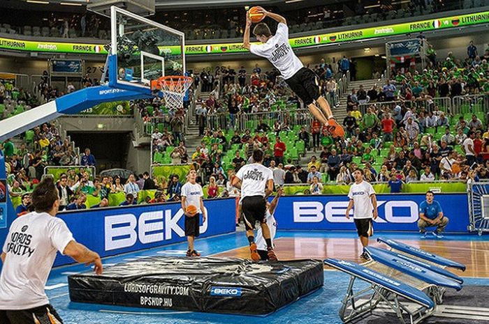 Lord of Gravity, grup freestyle basket ternama di Eropa