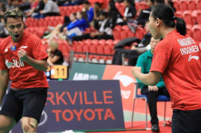 Rehan Naufal Kusharjanto/Siti Fadia Silva Ramadhanti saat tampil pada partai pertama dalam perempat final Kejuaraan Dunia Junior 2018 antara Indonesia vs Denmark yang digelar Kamis (8/11/2018).