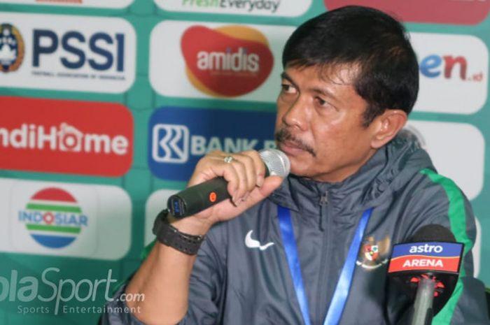 Pelatih timnas U-19 Indonesia, Indra Sjafri dalam sesi jumpa wartawan setelah melawan Malaysia, Kamis (12/7/2018).