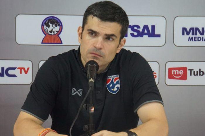 Pelatih timnas futsal Thailand, Jose Maria Pazs Mendes.