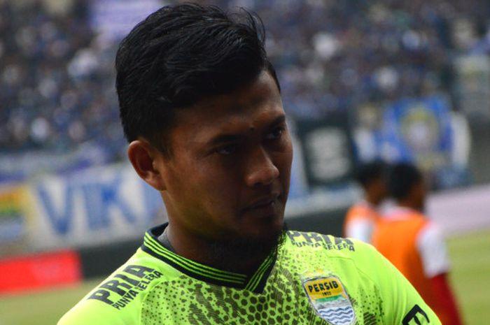 Kiper Persib Bandung, Muhammad Natshir saat melawan mantan klub, Arema di Stadion Gelora Bandung Lau
