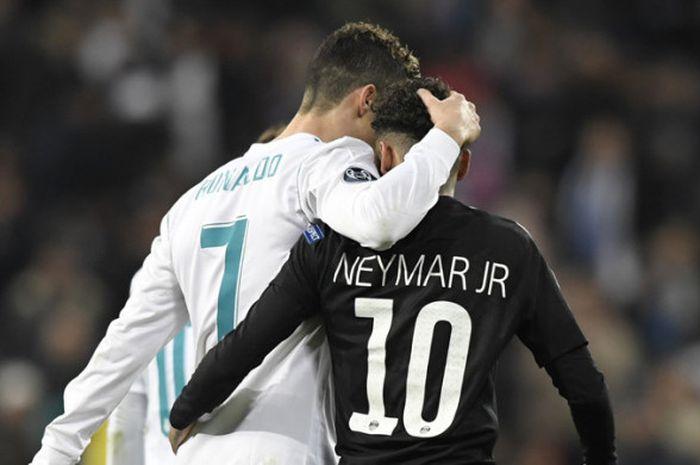 Cristiano Ronaldo dan Neymar di ajang Liga Champions saat Real Madrid bertemu Paris Saint-Germain di Stadion Santiago Bernabeu, Madrid, 14 Februar 14 2018.