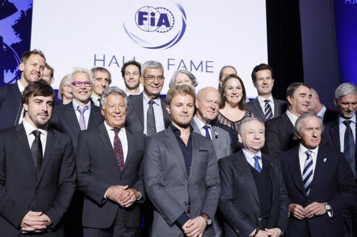 Pebalap-pebalap juara Formula 1 menghadiri peluncuran FIA Hall of Fame yang berlangsung di Paris, Prancis, Senin (5/12/2017).