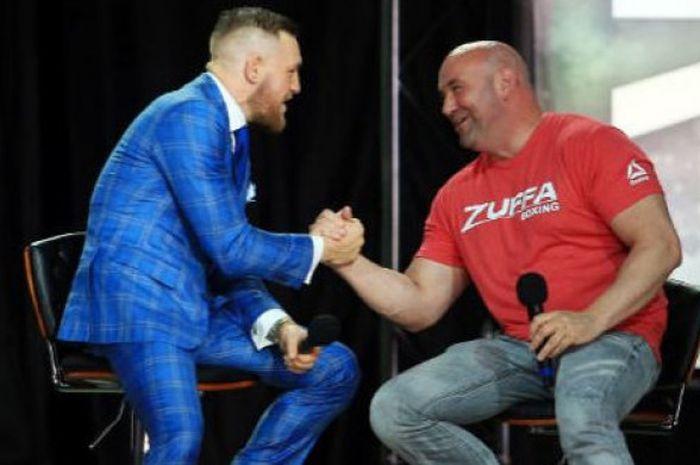 Conor McGregor (kiri) dan Dana White (kanan).