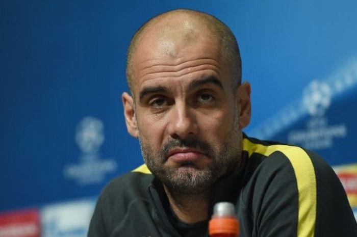 Pelatih Manchester City, Pep Guardiola, dalam konferensi pers jelang laga 16 Besar Liga Champions kontra AS Monaco, Senin (20/2/2017).