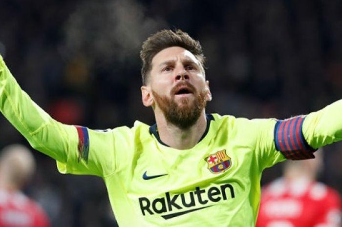 Megabintang FC Barcelona, Lionel Messi, merayakan gol yang dicetak ke gawang PSV Eindhoven dalam laga Grup B Liga Champions di Stadion PSV, Eindhoven, Belanda pada 28 November 2018.