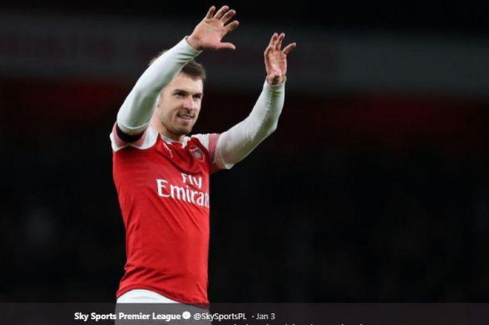 Gelandang Arsenal, Aaron Ramsey, bersiap menuju Juventus dan dilaporkan telah menyetujui kontrak.